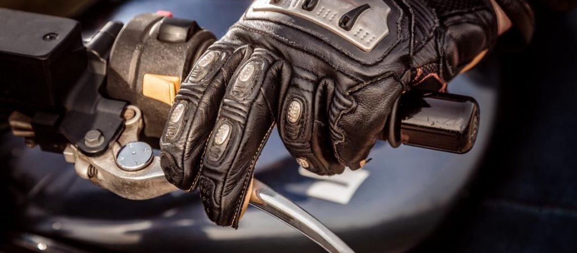 motorcycle-racing-gloves-PHCAPQA